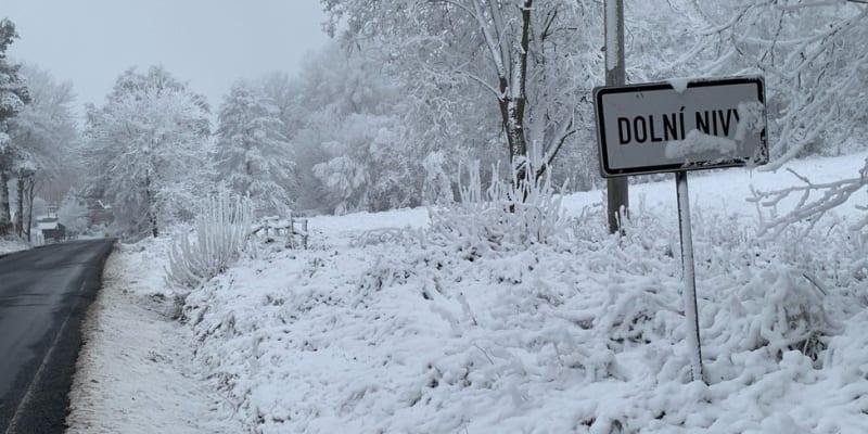Sníh napadl i na Sokolovsku.