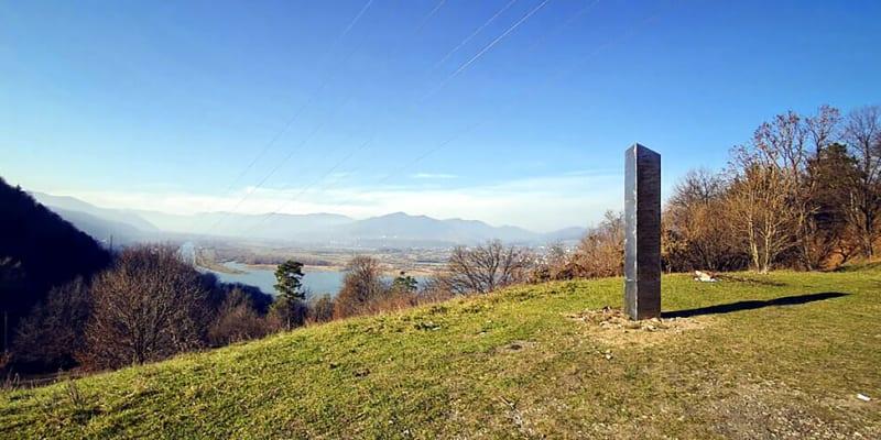Tajemný monolit v Rumunsku