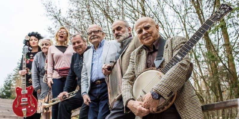 Mládek se svou kapelou Banjo Band baví publikum od 70. let.