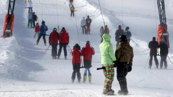 Na lyže už před Vánoci. Vláda posunula termín otevření skiareálů