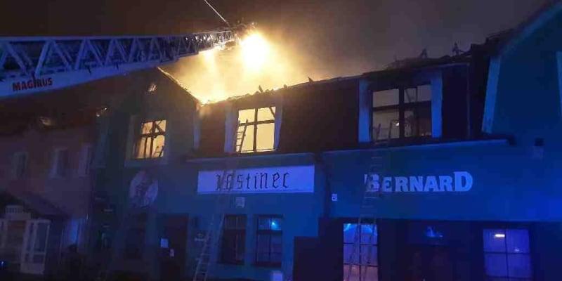 Požár restaurace v Novém Veselí napáchal škody za až 2,5 milionu korun.