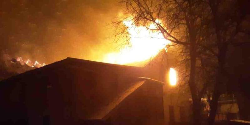 Na místě zasahovalo šest jednotek hasičů.