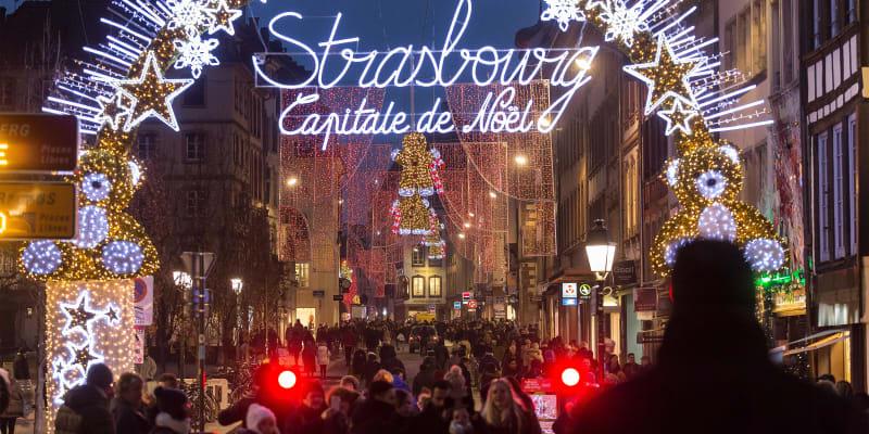 Každoročně francouzský Štrasburk hostí na dva miliony turistů. Letos se však vánoční události musely rapidně omezit.