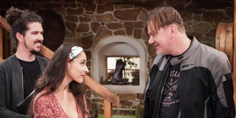 Michal Hrůza a Eva Burešová v seriálu Slunečná.