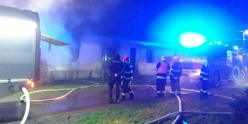 Při požáru domu na Znojemsku zemřel senior