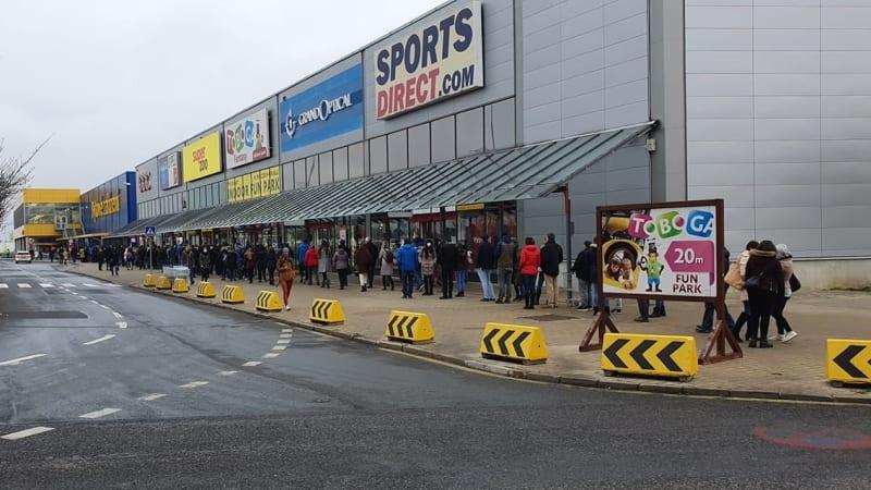 I přes pandemii vydělala IKEA v Česku miliardu. Její zahraniční matce to ale nestačilo