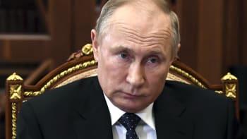 První oficiální reakce Ruska: Provokaci potrestáme. Předvolalo si českého velvyslance