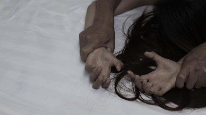 Ind prohrál sázku, přátelům nabídl neomezené znásilnění ženy - CNN Prima  NEWS