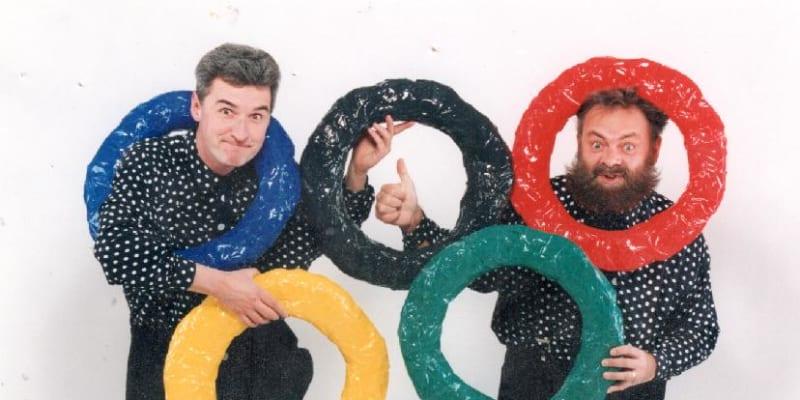 Václav Upír Krejčí společně s Michalem Nesvadbou a Světlanou Nálepkovou založil pantomimický soubor Mimtrio.