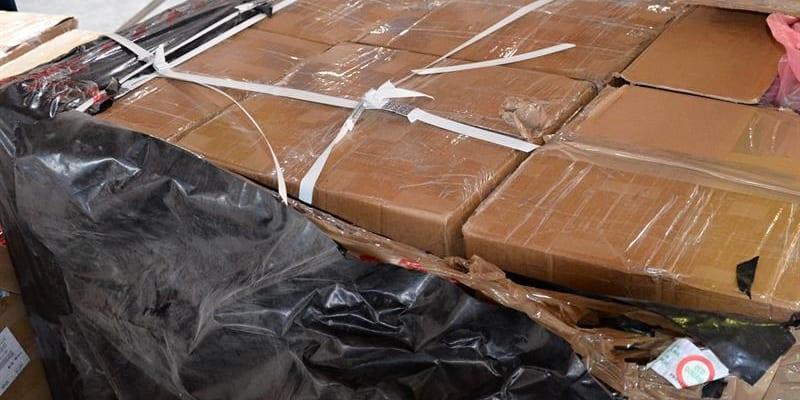Celníci drogu objevili v cargo zásilce z Dubaje, určena byla jednomu příjemci.
