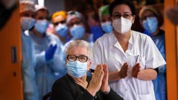 Kdy skončí v Česku pandemie? Spočítali jsme klíčový termín pro porážku koronaviru