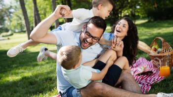 Přídavky na děti by se mohly zvýšit o čtvrtinu, nárok má mít i více rodin