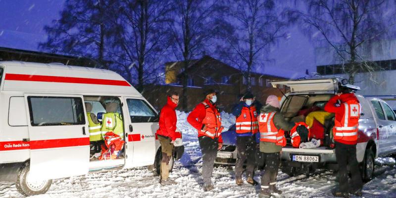 Na místo byly kolem čtvrté hodiny ranní povolány veškeré dostupné záchranné síly.