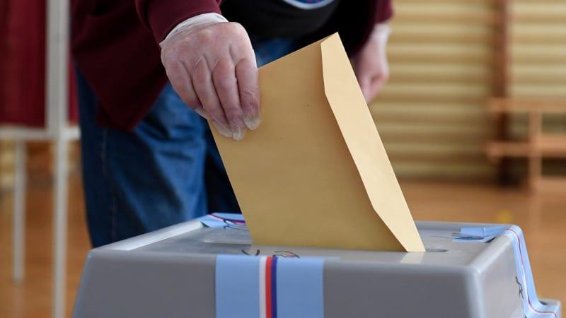 Voličský průkaz 2021: Praktický návod, kde a jak ho získat a jak s ním volit