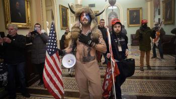 Útočníci na Kapitol chtěli zákonodárce zajmout a zavraždit, tvrdí federální soudci