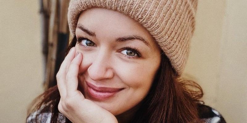 Modelka a zpěvačka Jitka Boho se na sociálních sítích svěřila, že prožívá bolestivý průběh koronviru.