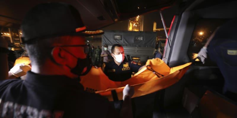 Indonéské aerolinky Sriwijaya Air v sobotu odpoledne místního času ztratily kontakt s letadlem Boeing 737-500 letícím z Jakarty.