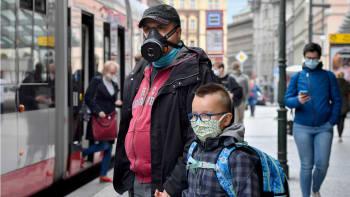 Česko stále patří v covidu k nejhorším v Evropě, přestože se situace uklidňuje