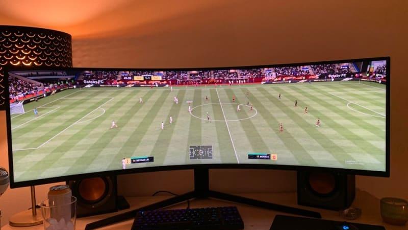 Mladík vyzrál na ostatní gamery. Ve hře FIFA vidí na rozdíl od soupeřů celé hřiště