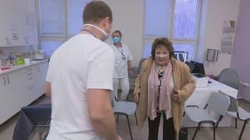 Sledujte ŽIVĚ HLAVNÍ ZPRÁVY: Jiřina Bohdalová skončila v nemocnici. Co se jí stalo?
