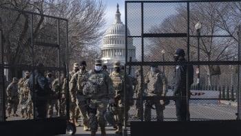 Policie zadržela u Kapitolu ozbrojeného muže. Snažil se projet kontrolní stanoviště