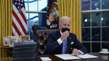 Biden nařídil návrat USA k pařížské klimatické dohodě, od které odstoupil Trump