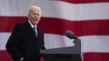 ON-LINE: Biden se ujímá moci nad USA. Trump místo inaugurace míří na Floridu