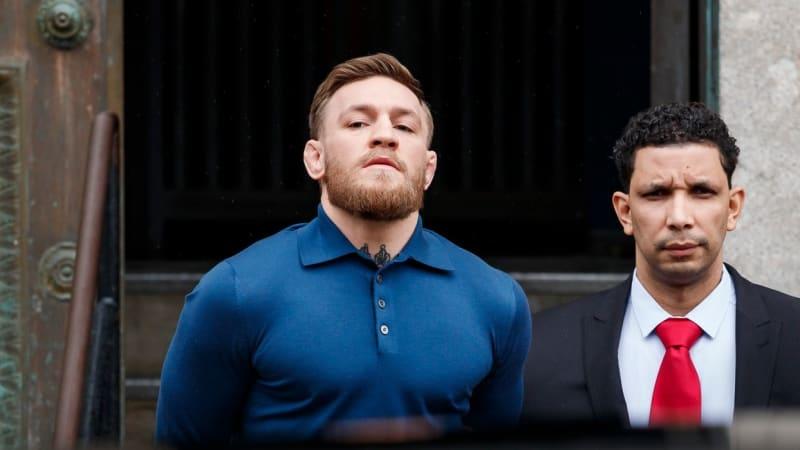Trable před velkým zápasem. McGregor čelí žalobě matky s dcerou pro fyzickou újmu