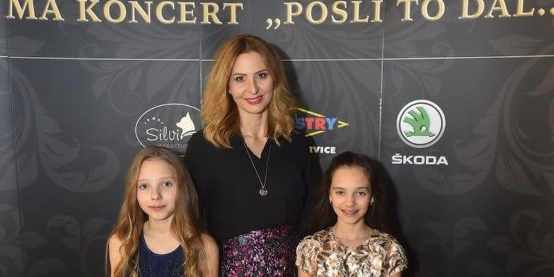 Ivana Gottová s dcerami (Autor: Karel Gott)