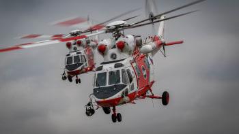 Cheb volá o pomoc. Nemocnici došli lidé, covid pacienty přepravují vrtulníky až na Vysočinu