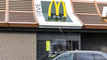 McDonald's si fotí zákazníky při objednávání. Pracovnice prozradila proč