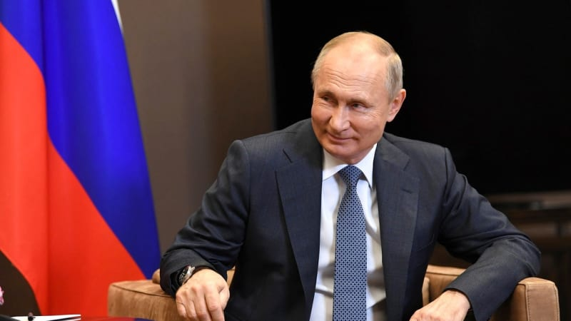 Putin překvapil a zastal se Bidena: Je to profesionál. Měl za sebou velmi náročnou cestu