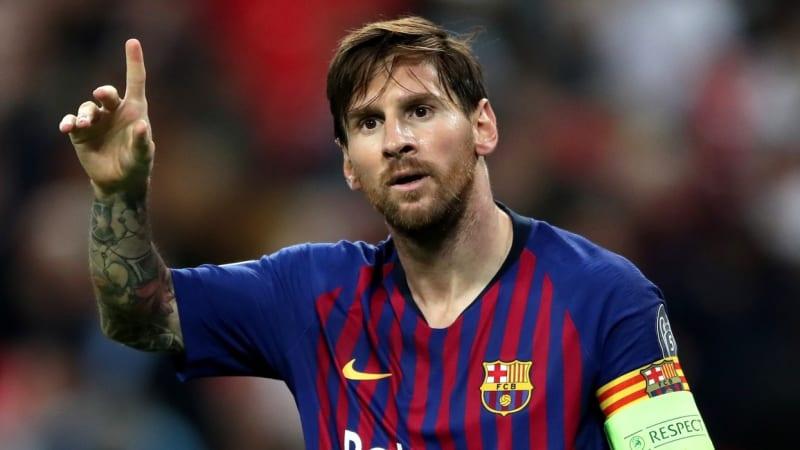 """Messi se spolu s rodinou začal učit francouzsky. Říká tím """"oui"""" pařížskému PSG?"""