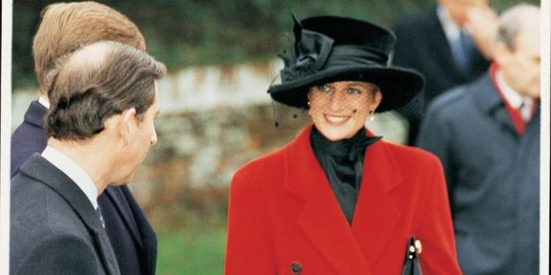 Princezna Diana při vánočních svátcích 1993 v rodném Sandringhamu