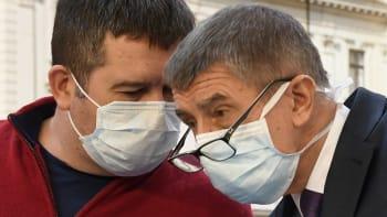 Sledujte ŽIVĚ: Zdravotnictví kolabuje, schyluje se k uzavření průmyslu? Rozhodne vláda