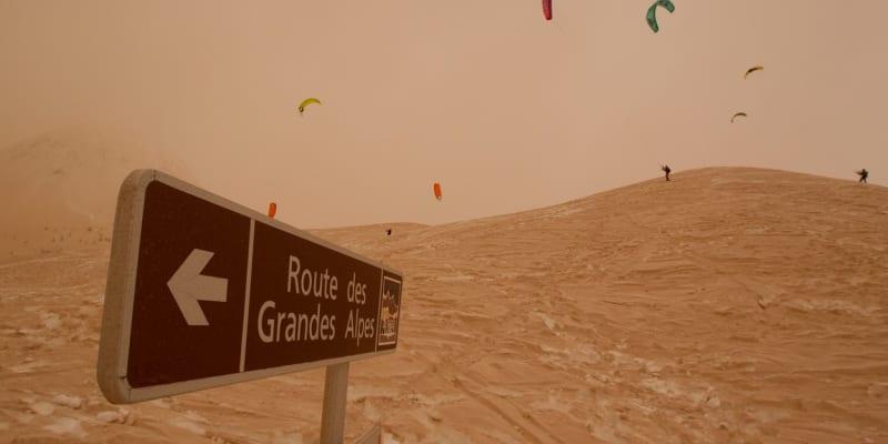 Písek se do střední Evropy dostal ze Sahary.