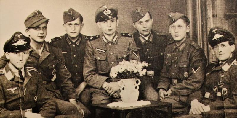 Vojáci z Hlučínska v roce 1943