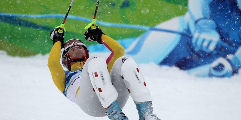 Maria Höflová-Rieschová se raduje ze své první zlaté olympijské medaile, kterou získala ze super kombinaci ve Vancouveru 2010.