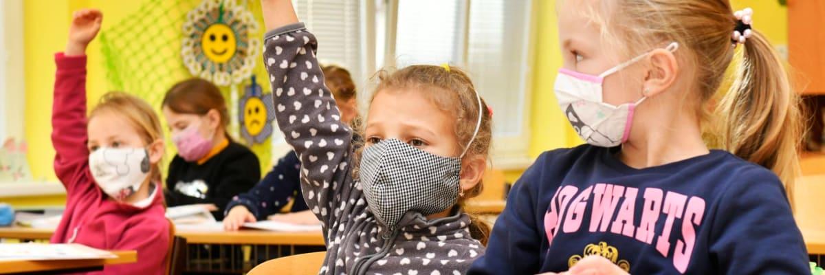 Školství se bojí rozzuřených rodičů. V případě problémů hrozí policií i sociálkou