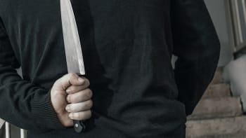 Drama na Přerovsku. Starosta se musel schovat na úřadě, útočník mu hrozil nožem