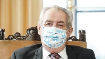 Vydržme šest měsíců, vyzývá Zeman. Lehce dementní odmítači očkování změní názor
