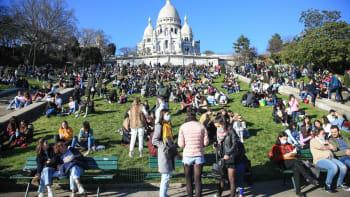 Paříž čekají totální víkendové lockdowny. Nelidské, musíme dýchat, supí starostka