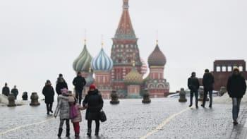 Sputnik V nabírá směr Česko, v Rusku ale příliš neletí. Lidé se už covidu nebojí