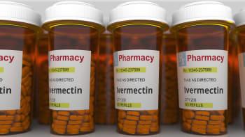 Válka kvůli léku ivermektin pokračuje. Co si o něm myslí lékaři a odborníci?