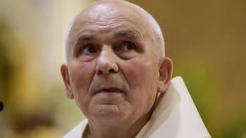 Zemřel kněz a bývalý chartista František Lízna. Hospitalizován byl kvůli koronaviru
