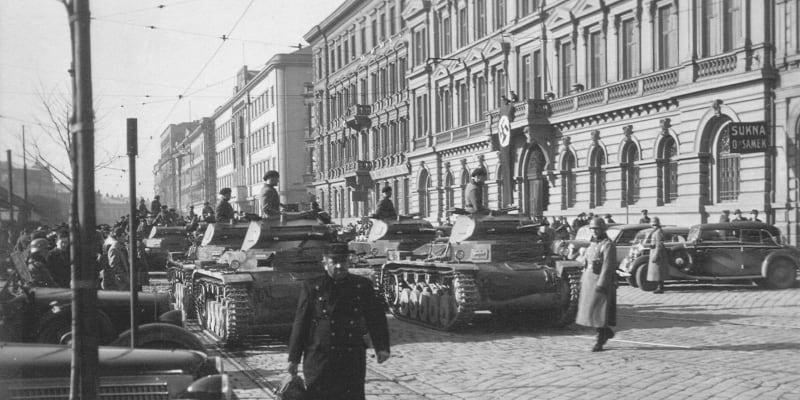 Brno, 15. březen 1939. Německé tanky nebyly lepší než československé, navíc jich nebyl vyroben požadovaný počet. Proto Němci zařadili do služby i zabavené tanky československé (zdroj: Kniha J. B. Uhlíře)