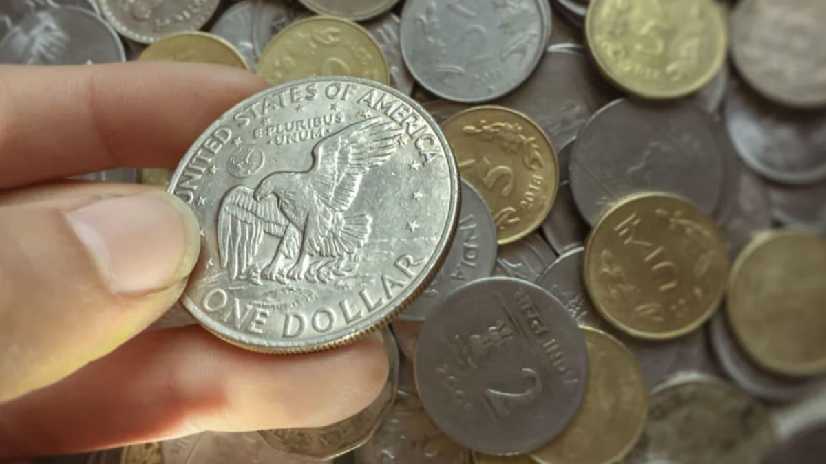 Dolarová mince se už dnes v USA nerazí.