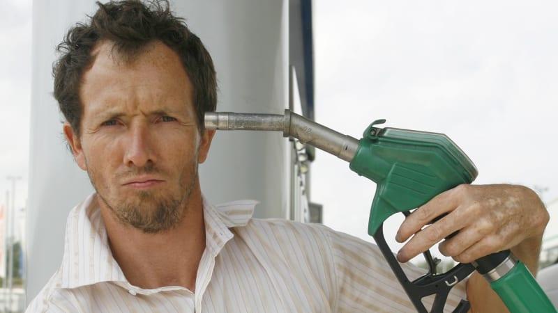 Cena benzínu je na dvouletém maximu. Litr stojí více než 33 korun a zdražování nekončí