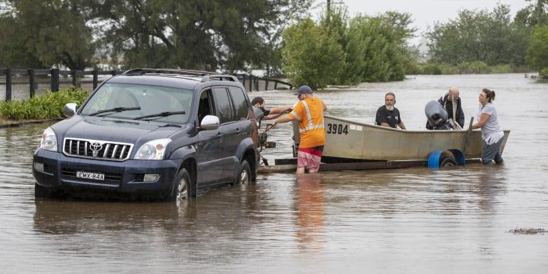 Kvůli silnému dešti byla evakuována část Sydney.