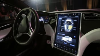 Tesla má další problém: Při nehodě zahynuly dvě osoby, za volantem nikdo neseděl